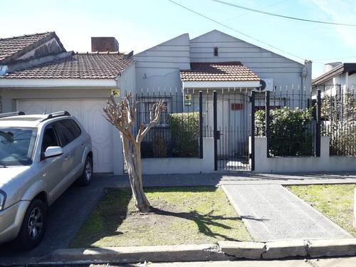 Casa Venta 2 Dormitorios 2 Baños Jardin Pileta Cochera 120 Mts 2 - Terreno 10 X 40 Mts - 400 Mts 2 - Quilmes Oeste