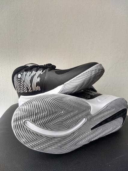 Zapatillas Nike Team Hustle D9