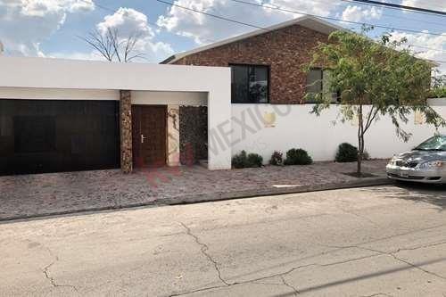 Casa En Venta Av Mayran, En Torreón Jardín, Casas En Venta