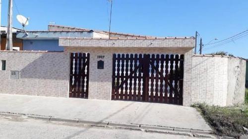 Casa Barata, Em Itanhaém! Com 03 Quartos. Aproveite!