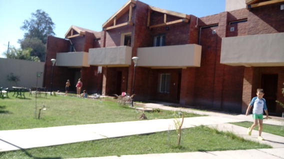 Duplex Dos Dormitorios Dos Baños Cochera Para 6 Huespedes