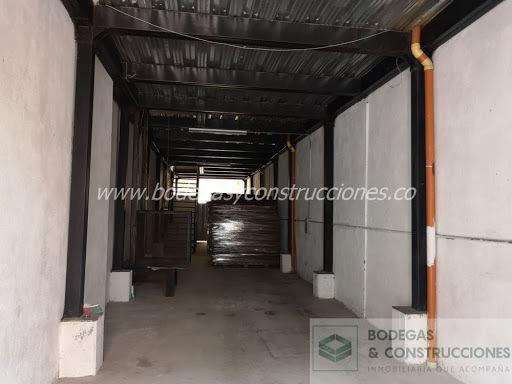 Bodegas En Arriendo Barrio Antioquia 988-214
