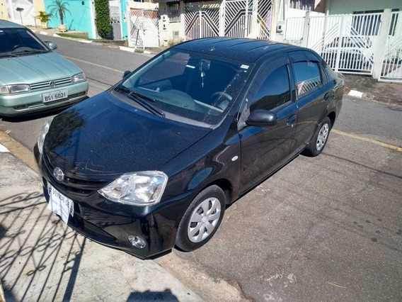 Etios Sedan 1.5 2013 - Baixa Quilometragem