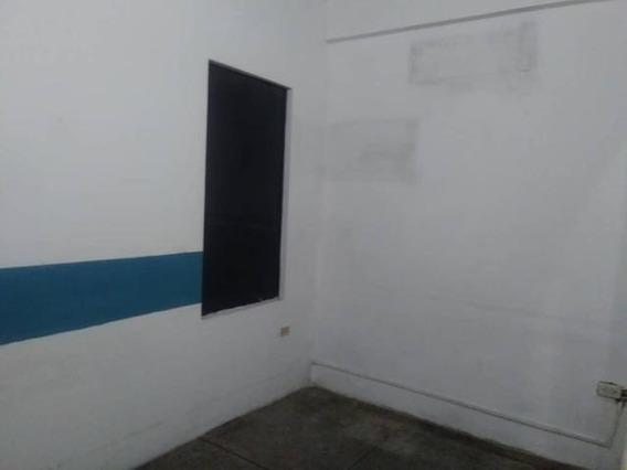 Comercial En Alquiler Centro 20-60 Mc 04121531221