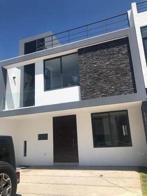 Hermosa Residencia En Solares En Venta Con Roof Garden