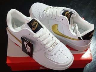 Tenis Nike Air Force One Blancas Con Dorado!!