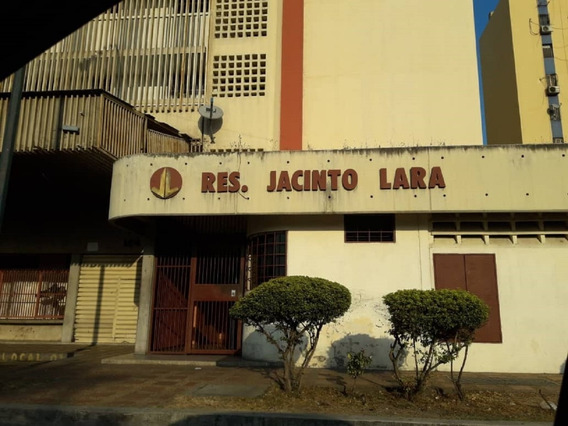 Apartamento En Alquiler Res. San Jacinto. Barquisimeto