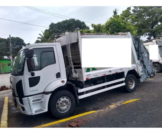 Ford Cargo 1723 Ano 2013 Equipado Com Compactador De Lixo