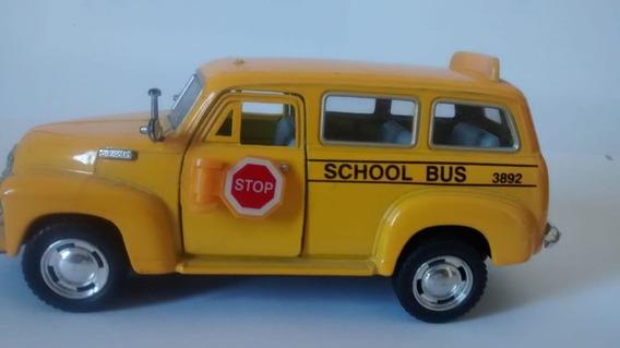 Miniatura Onibus Escolar Chevrolet Suburban 1950 1/36