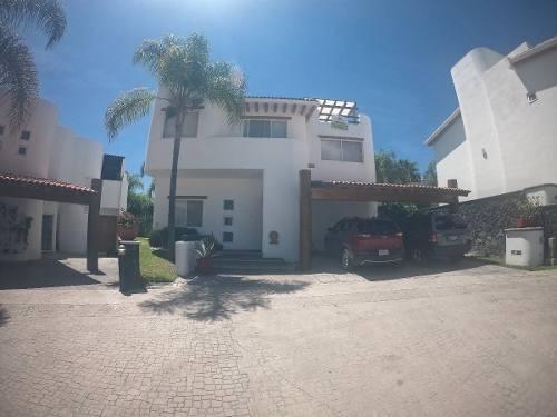 Excelente Residencia En Venta En El Faro Juriquilla.