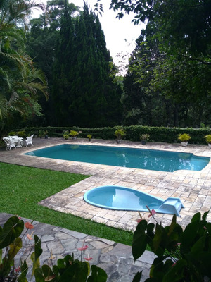 Lindo Sitio/lago/piscina/sede/ac/permuta Sbc/ref:04820