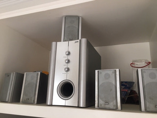 Home Theater J-win Modelo Js-p602 Con 5 Parlantes Y Woofer