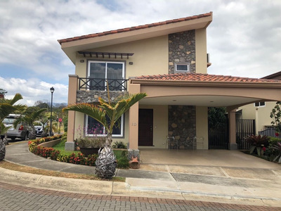 Se Vende Casa Condominio Bosques De Velarde, Heredia