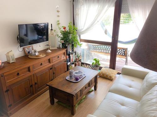 Mansa, Primera Linea, 2 Dormitorios- Ref: 2498