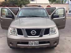 Nissan Pathfinder . 2005