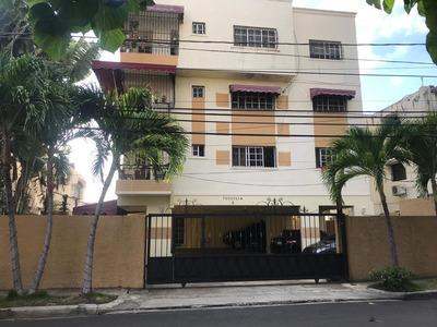 Se Alquila Apartamento Amueblado. Cel. 809-498-8868