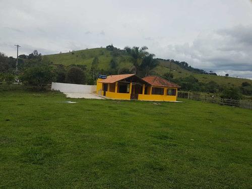 Chácara Em Soledade De Minas , Com 3200 M2, Casa Boa , Cozinha Com Fogão De Lenha ,campo Futebol, Pomar. - 887
