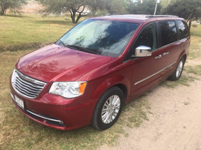 Chrysler Town & Country Limited