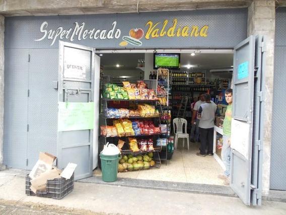 Supermercado Y Licorería En Av Panteón 16-16052