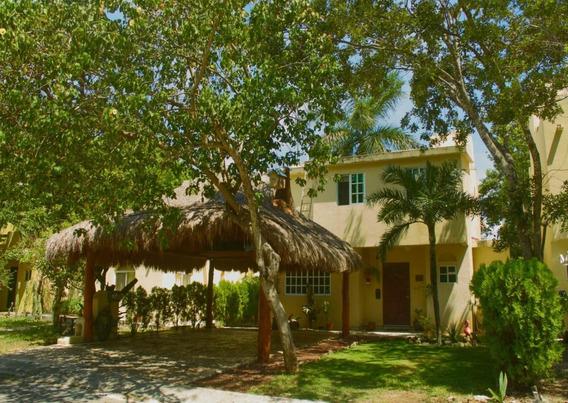 Casa De Lujo En Exclusivo Residencial Loltun, ¡oportunidad!