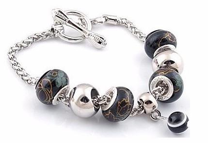 Pulseira Bracelete + Berloque Charm Moda Pandora Ouro Prata