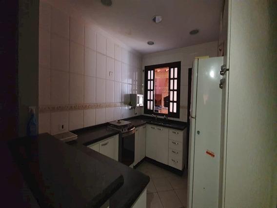 Sobrado A Venda Com 03 Dormitórios E 02 Vagas De Garagem Em Carapicuíba - 11452