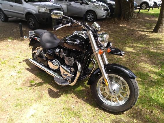 Triumph America Moto