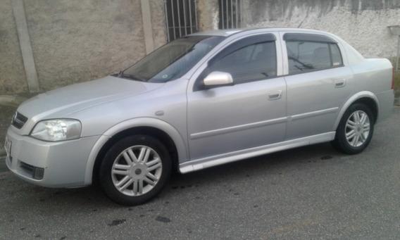 Astra 2004 - Sedan Cd 2.0 - 4 Portas Cambio Automático