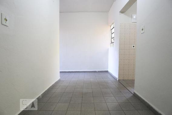 Casa Para Aluguel - Umuarama, 2 Quartos, 80 - 893118874
