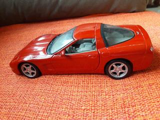 Miniatura Corvette 97 Chevrolet Maisto Escala 1:24