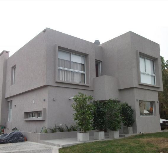 Venta Casa Clásica 5 Amb. Barrio Santa Clara . Villanueva . Tigre
