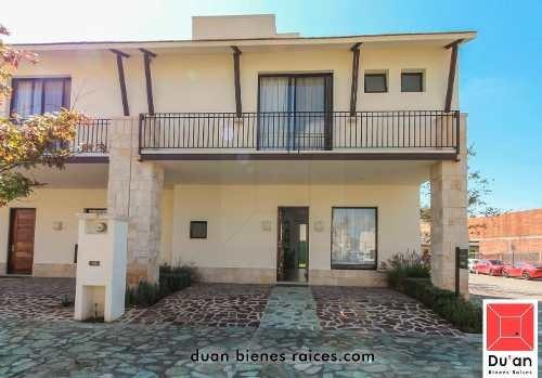 Casa Hacienda Valbuena, M. Roble