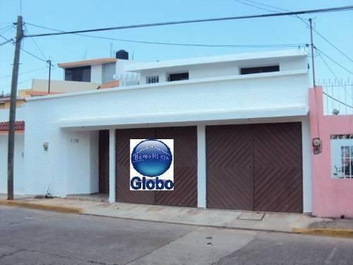 Casa Grande En Venta En Jardines De Villahermosa, Tabasco.