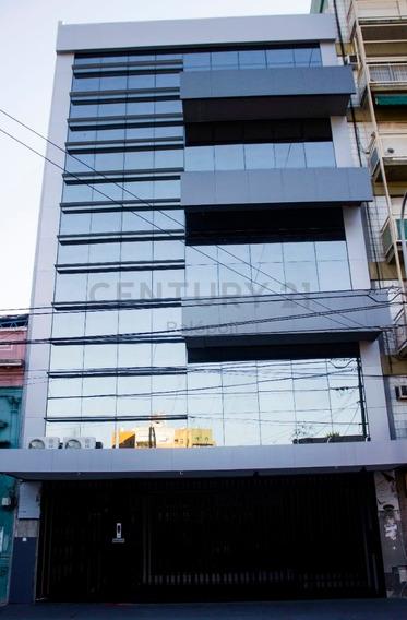 Venta Oficina 39 M2. En Edificio Atenas I. San Martin Centro.