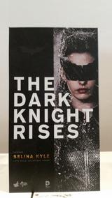 The Dark Catwoman Selina Kyle Hot Toys 1/6 Novo
