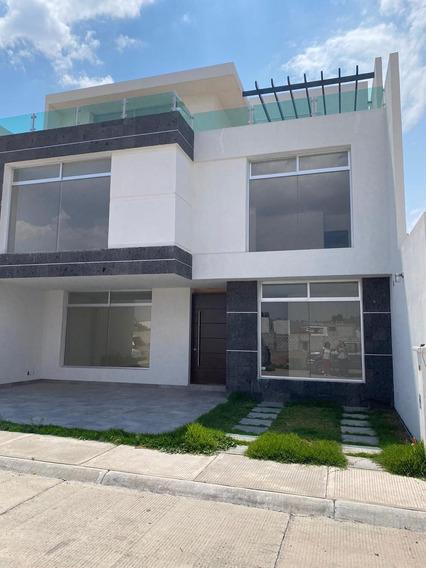 Casa De 3 Recamaras,estudio,3 Niveles Con Terraza