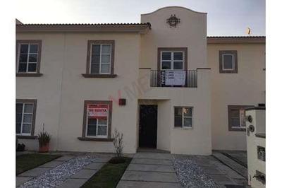 Casa Amueblada En Renta / Juriquilla Sta. Fe / Queretaro