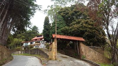 Casas En Venta En La Colonia Tovar 525m²/4hab/2bañ/7pstos E