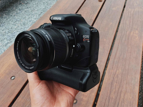 Câmera Canon T2i + Grip + Lente 18-55 + 4 Baterias