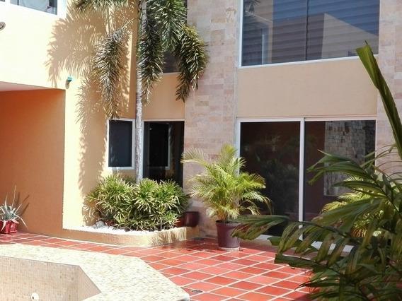 Casa En Venta En El Doral Norte Mcbo Api 29168 Gc