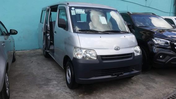 Toyota Hiace Recien Importada