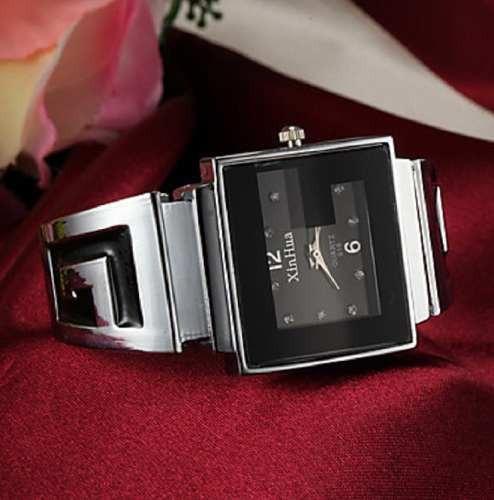 Relógio Analógico Estilo Bracele Cor Prata
