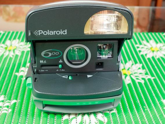Câmera Polaroid 600- Funcionando (testada Com Filme)