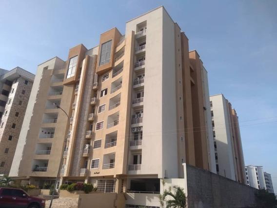20-4183 Apartamento En Venta Urb Bosque Alto Maracay/ Wjo