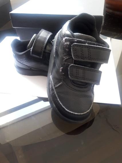 Remato Zapatillas adidas Original Talla 22 Incluye Envío