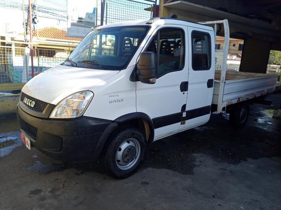 Iveco Daily 35s14 2017 Cabine Dupla Com Ar E 48 Mil Km Nova