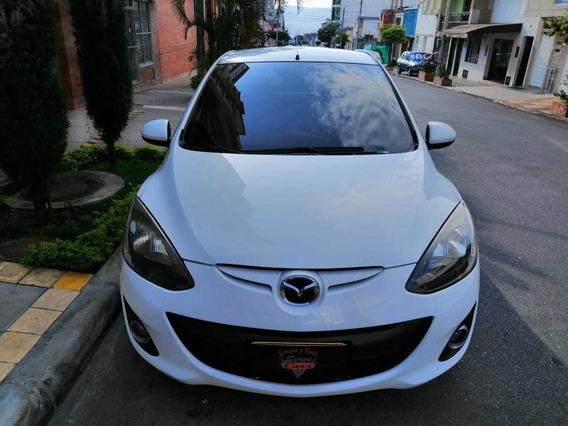Mazda Mazda 2 Hatch Back 1.500 C.c A.a Mecanico Modelo 2014