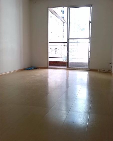 Vendo Excelente Apartamento No Bussocaba. 2 Quartos, Sala 2 Ambientes, Varanda, Linda Cozinha Com Armários, Área De Serviço E 1 Vaga De Garagem. Localização Privilegiada Dispondo D - Ap00420 - 4506253