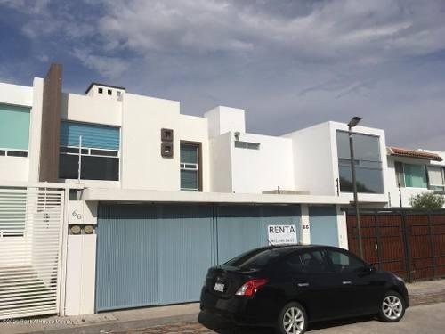 Casa En Renta En Milenio 3era Seccion, Queretaro, Rah-mx-20-725