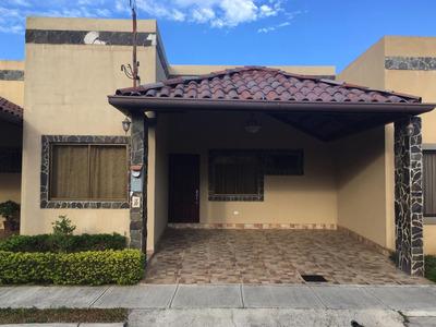 Alquilo Casa En Condominio La Rueda, Cartago